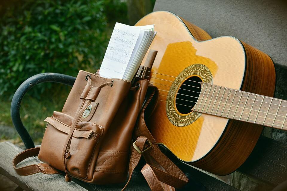 Mejores aplicaciones para aprender a tocar la guitarra